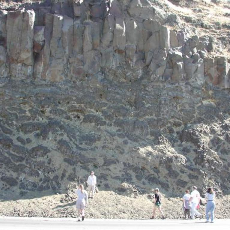 Arriving at The Dalles, we saw a great exposure of pillow basalts, interpreted for us by Laz