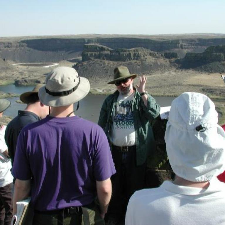 Dry Falls was an excellent example of a flood-carved coulee, and offered a good view and a nice little visitor's center. Abby discussed the very strange rhinoceros mould and Jonathan the geology and history of Dry Falls.