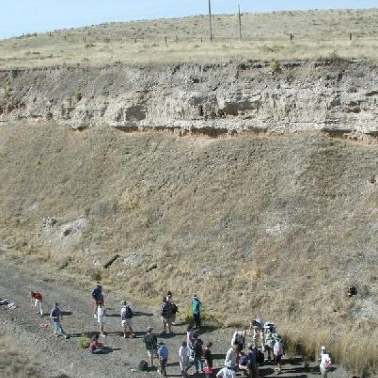 We had a hike through barbed wire, which only attacked Ralph, out to the outcrop at Marengo Siding where Jay then debated the pros and cons of how Lake Missoula ruptured and drained. By the wonders of civil engineering, a loess hill has been cut in two enabling us to l ook at a cross-section. Devon took this opportunity to talk about the formation of streamlined landforms.