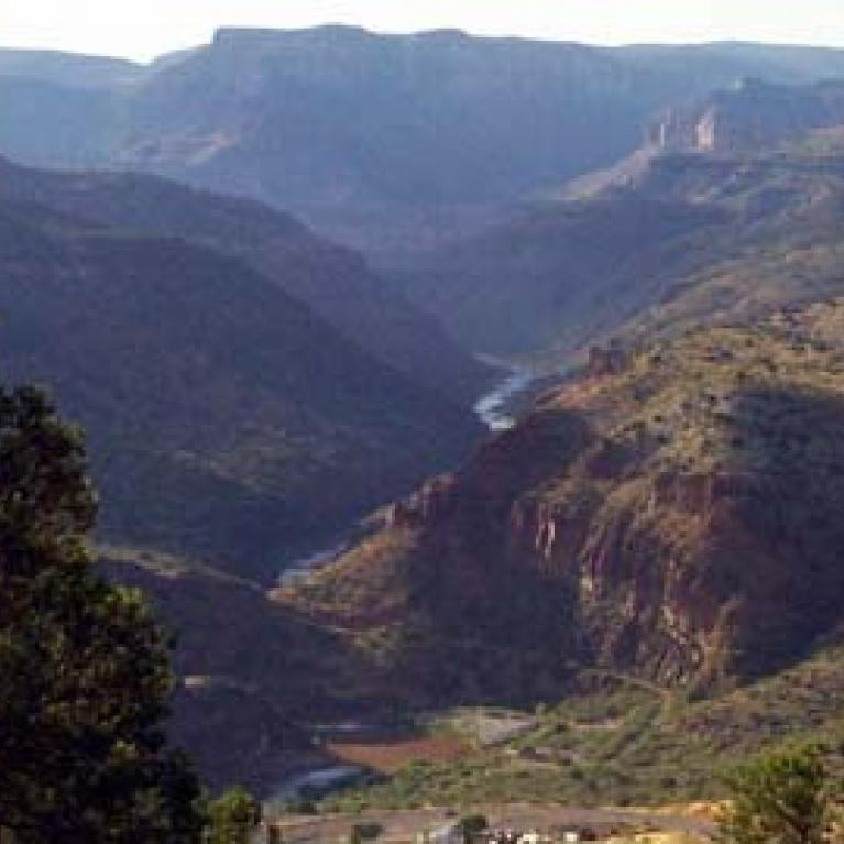 On the first day we passed through the Salt River Canyon.